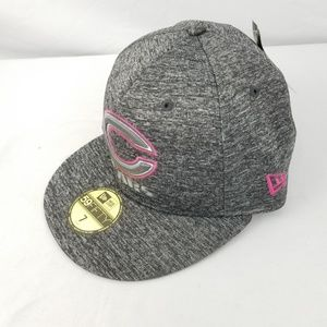 8ff203817 New Era Accessories - New Era Chicago Bears Breast Cancer FItted Hat Cap